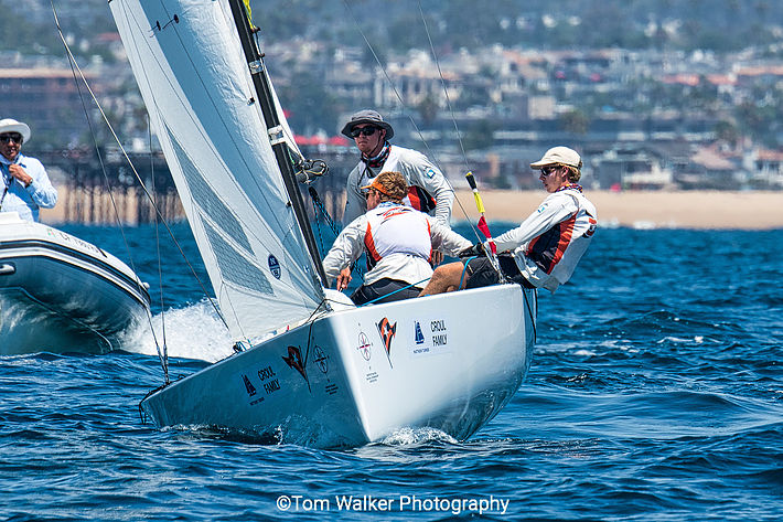 Great picture of our sun hat being used sailing in the Governor s ... 525ed09ce48